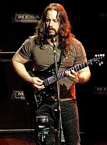 Mengenal Personil Dream Theater 220px-John_Petrucci_Rio_2