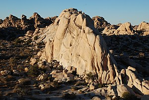 Pitch (ascent/descent) - Image: Joshua Tree NP Double Cross 1