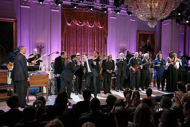 Timberlake (center) and Steve Cropper performing at the White House, 2013 Justin Timberlake and Steve Cropper performing at the White House.jpg