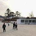Kaesong Roller Skating Kids (33012590661).jpg