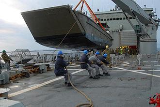 HMAS Kanimbla (L 51) - Kanimbla with a LCM-8