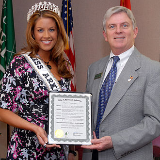 Sherwood, Arkansas - Miss Arkansas Kelly George (left) with former Sherwood Mayor Danny Stedman