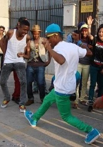 Jerkin' - A male rejecting for a crowd