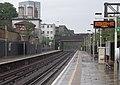 Kilburn High Road railway station MMB 05.jpg