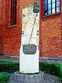 Kołobrzeg. Pomnik Arcybiskupa Marcina Dunina autorstwa Zygmunta Wujka(MW).jpg
