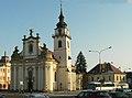 Kostel sv. Bartoloměje s farou.jpg