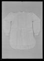 Kröningsskjorta hörande till Oscar IIs kröningsdräkt buren vid kröningen den 12 maj 1873 - Livrustkammaren - 1990.tif