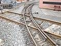 Kreuzung der Feldbahn im Deutschen Dampflokomotiv-Museum in Neuenmarkt, Oberfranken (14313892954).jpg