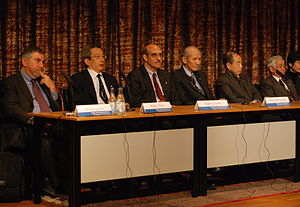 Makoto Kobayashi (physicist) - Paul Krugman, Roger Tsien, Martin Chalfie, Osamu Shimomura, Makoto Kobayashi and Toshihide Masukawa, Nobel Prize Laureates 2008, at a press conference at the Swedish Academy of Science in Stockholm.