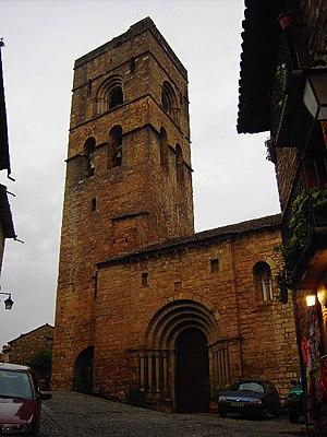 Aínsa-Sobrarbe - Image: L'Aínsa Iglesia