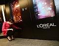 LOreal Paris Intelligent Color Experience. (10578285283).jpg