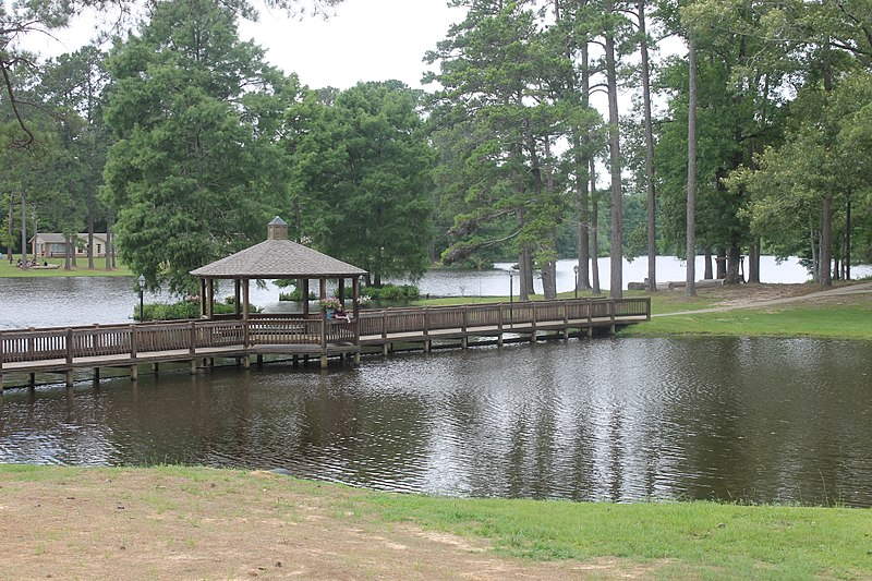File:Lake at Southland Camp, Ringgold, LA IMG 1007.JPG