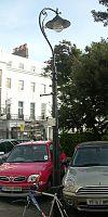 Lanterna kolono ĉe 28 Sussex Square, Kemp Town, Brajtono (IoE Code 481320).jpg