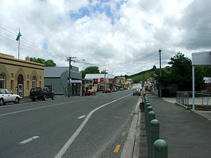 New Zealand State Highway 8 - State Highway 8 runs through Lawrence.