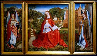 Triptyque de la Vierge à l'enfant entourée d'anges musiciens