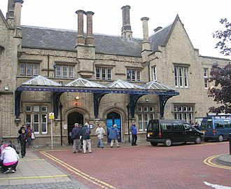 Lincoln Central railway station - The ornate main entrance at Lincoln station.