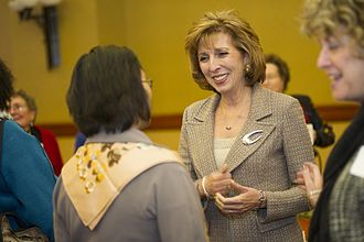 Linda Katehi - Linda Katehi meeting with faculty, students, and potential students at UC Davis