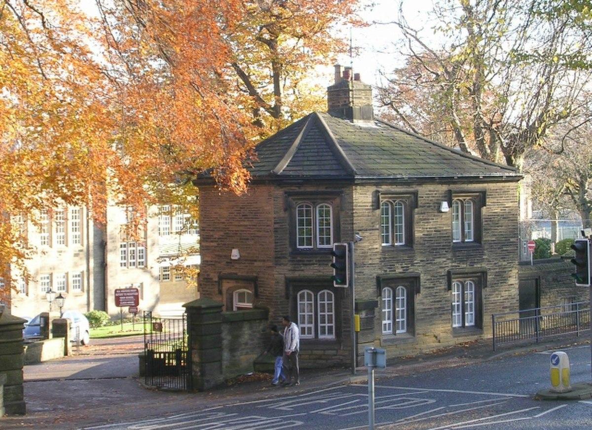 Lodge - Bradford Grammar School - Keighley Road - geograph.org.uk - 1042838.jpg