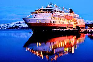 MS Finnmarken in Kirkenes.jpg
