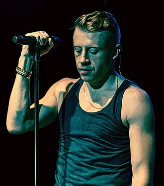 Macklemore - Macklemore performing in Toronto during The Heist Tour in November 2012.
