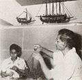 Making boats, Kami Memperkenalkan Maluku dan Irian Barat, p13.jpg