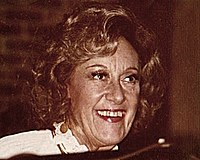 Jazz pianist Marian McPartland at the Village Jazz Lounge in Walt Disney World (photo by Laura Kolb)