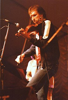 Mark O'Connor, bluegrass musician on stage at Cambridge Folk Festival, 1985.jpg
