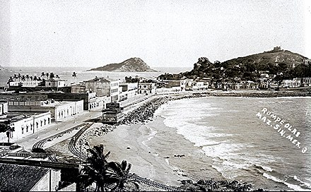 Old photograph of Mazatlan showing a breakwater Mazatlan Viejo 198 (13089107975).jpg
