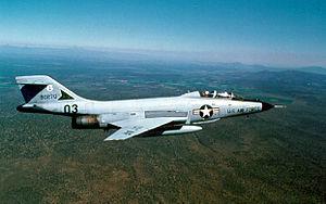複座型F-101B