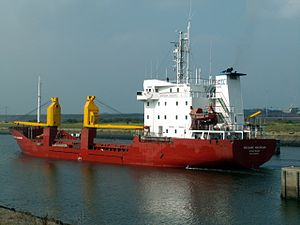 Mekhanik Makarin astern, leaving Port of Amsterdam 10-Sep-2005.jpg