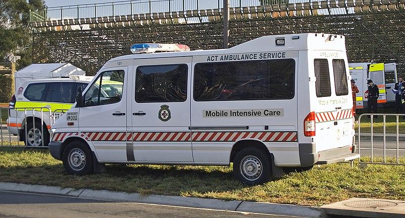File mercedes benz sprinter act ambulance service mic for Mercedes benz sprinter service locations