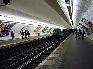Les Sablons (Paris Métro) - Image: Metro Paris Ligne 1 Les Sablons (2)