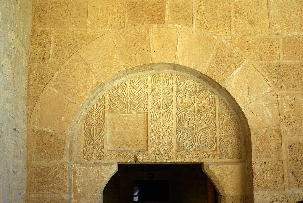 Monasterio de San Miguel de Escalada 11 by-dpc.jpg