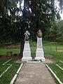 Monumentul frăţiei de arme româno-franceze (1916 - 1919) - ansamblu apropiat.JPG