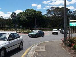 Mount Barker high school roundabout.jpg
