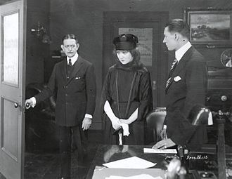 Mrs. Wiggs of the Cabbage Patch (1919 film) - Image: Mrs. Wiggs of the Cabbage Patch 1919 scene