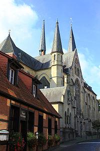 Muenster-St-Pantaleon-Osten2.jpg