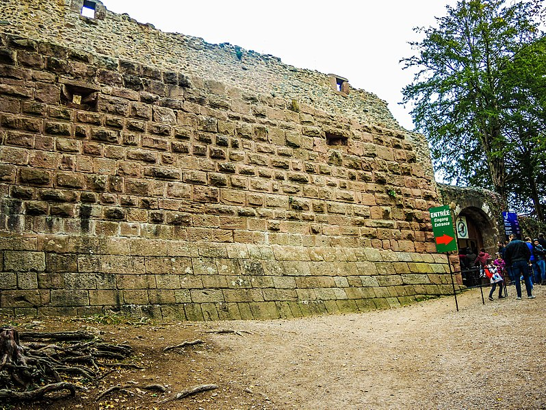 File:Muraille sud.du château de Kintzheim.jpg