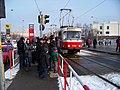Nádraží Veleslavín, tramvaj, dav na DOD (01).jpg