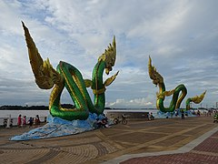 Nāga in Nong Khai 2.jpg
