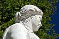N19 Priesterin mit Opferschale, Schönbrunn (06).jpg
