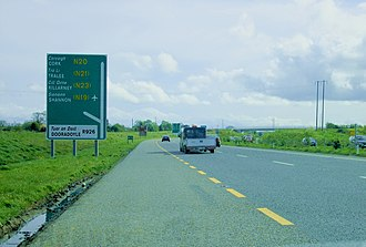 N20 road (Ireland) - N20 on the dual carriageway bypass into Limerick, approaching the exit for Dooradoyle. This section has been redesignated motorway, effective 28/8/09.