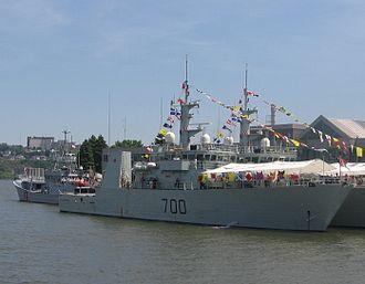 Kingston-class coastal defence vessel - Image: NCSM KINGSTON (MM 700) 1