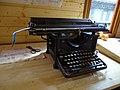 NNŽ, Legiovlak, štábní vůz, psací stroj Remington.jpg