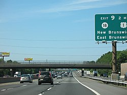 Interstate 95 / New Jersey Turnpike, southbound in Edison Township.
