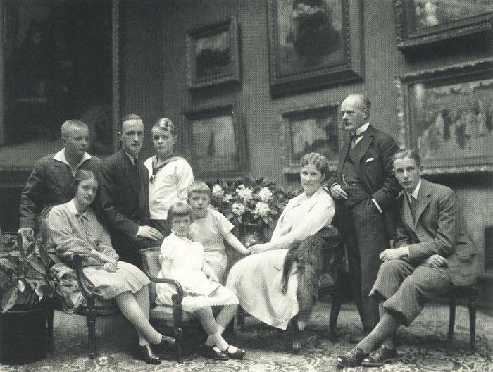Nicola Perscheid - Gustav Krupp von Bohlen und Halbach und Familie 1928
