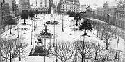 Bildo montranta neĝon kovrantan Plazan de Mayo en 1918