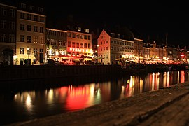 Nyhavn at night.JPG