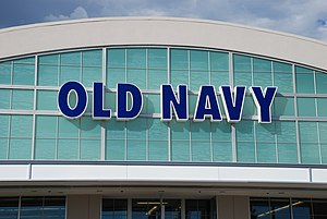 English: Front of an Old Navy clothing store i...