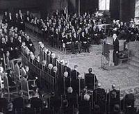 Bestand:Opening Staten Generaal door minister president L.J.M. Beel (1947).ogv
